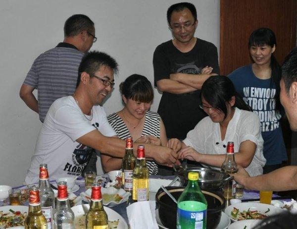 酒桌上玩的互动游戏猜牙签游戏规则